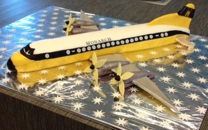vliegtuigtaart monarch adyen